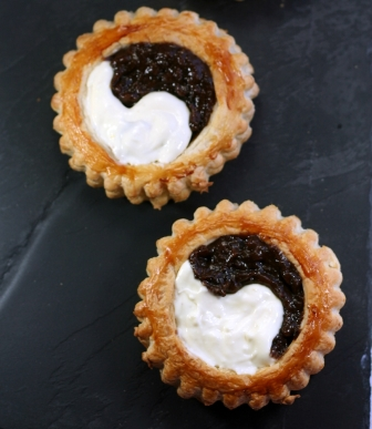 Black & White Tarts, 1651