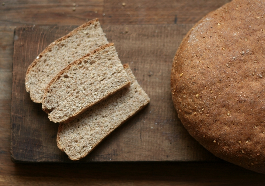 Wholewheat Oat Bread